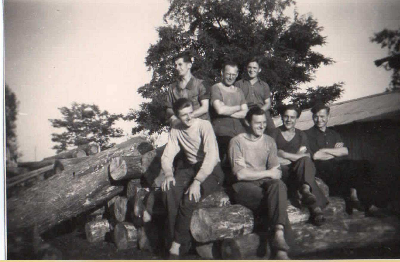 Gruppe 2 Holzplatz
